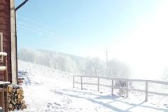 Wejście od strony tarasu zimą w Szyprówce